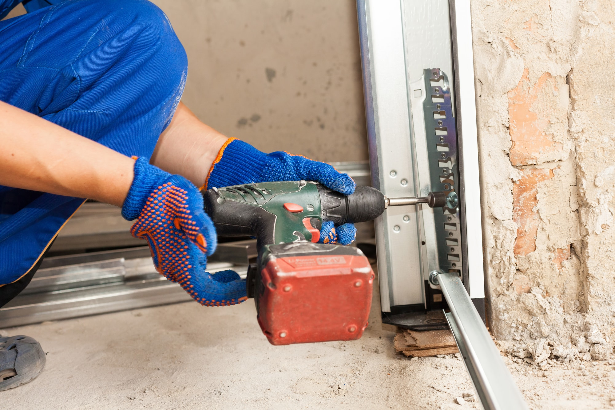 Affordable Garage Door Repair Service in Houston